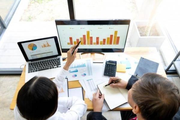 Доля занятых онлайн-торговлей бизнесменов в РФ выросла до 50%